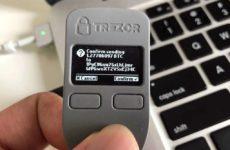 Обзор криптовалютного кошелька Trezor